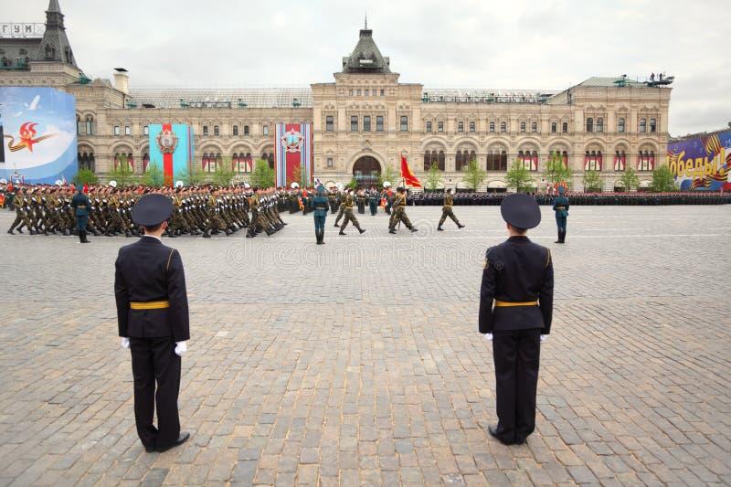 De rang van militairen neemt aan repetitie deel royalty-vrije stock fotografie