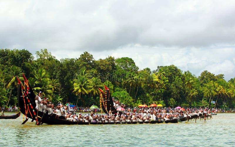 De rassen van de slangboot van Kerala stock foto's