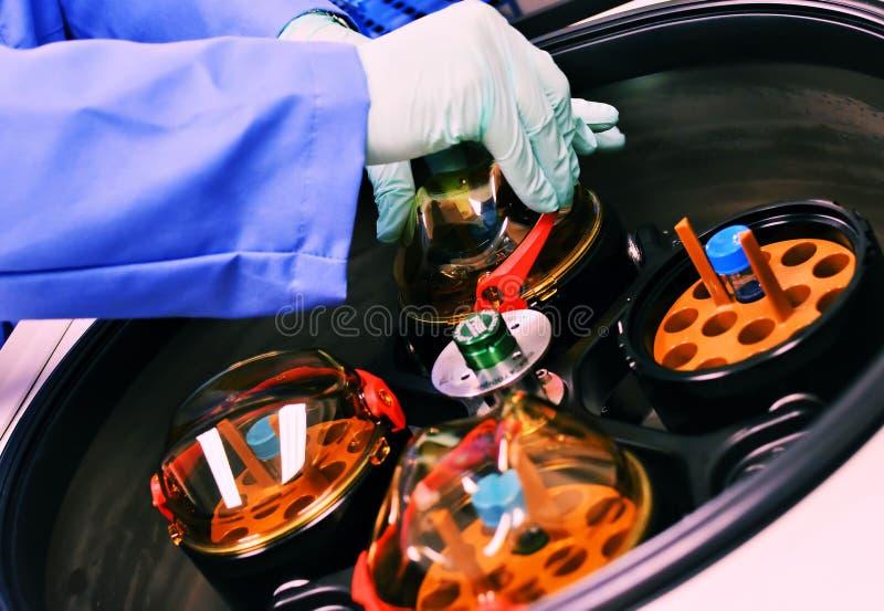Download Medisch Het Testen Materiaal Stock Afbeelding - Afbeelding bestaande uit eenheid, apparatuur: 30258689