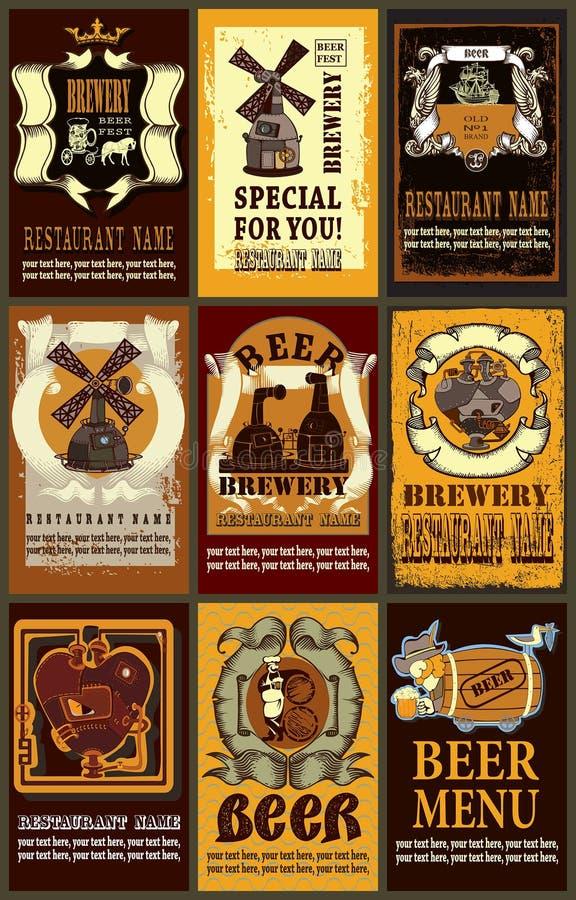 De reeks bevat beelden van het ontwerp van bieretiketten met verschillend bier e vector illustratie