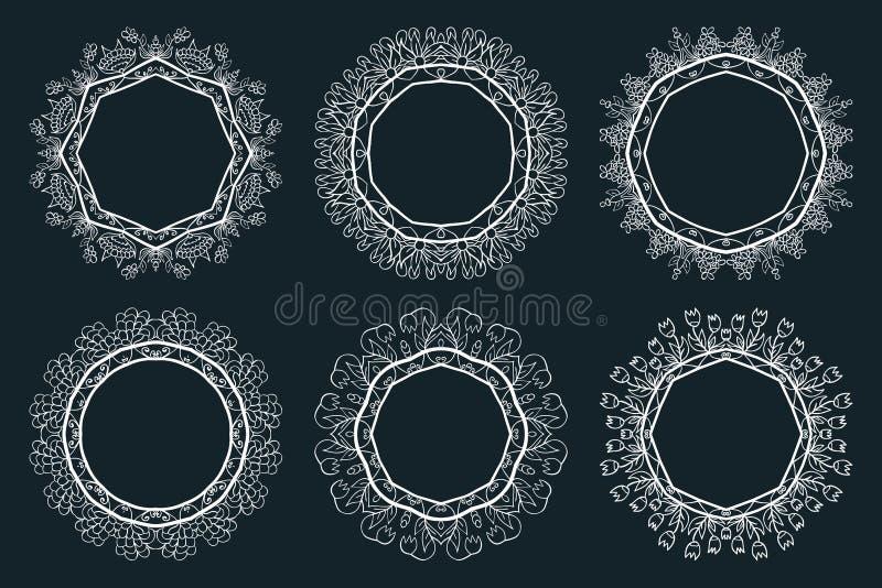 De reeks van Handdrawn inkt schilderde witte bloemenkronen en laurels stock illustratie