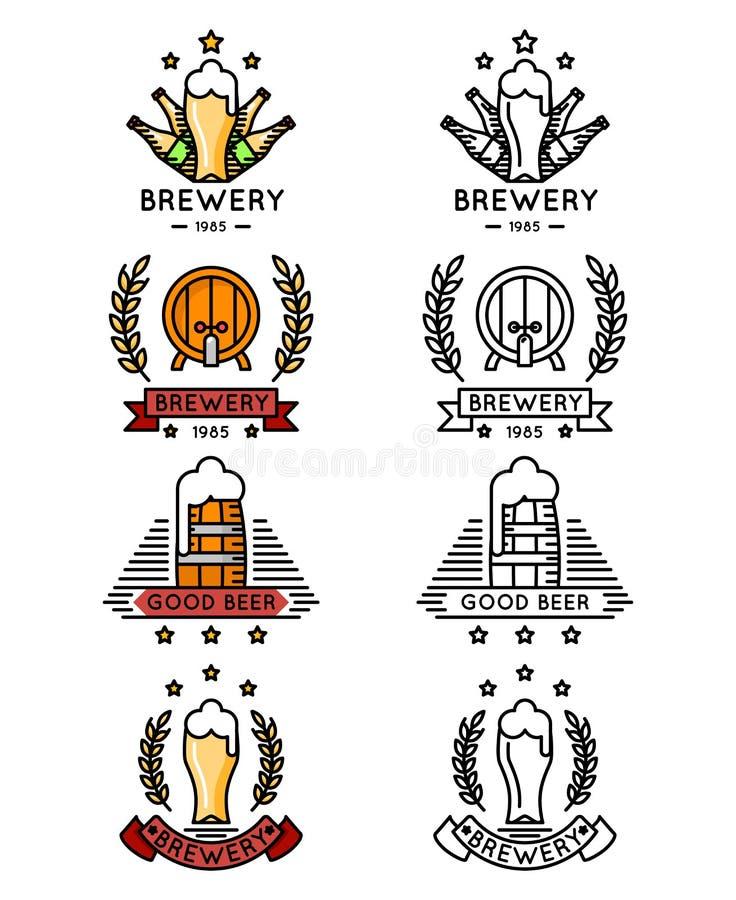 De reeks van het bierembleem Mokken en flessen, vaatjesvaten voor het brouwen van bedrijf stock illustratie
