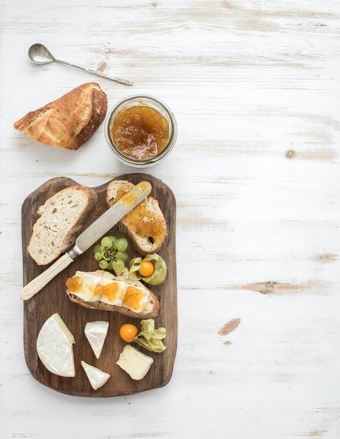 De reeks van het ontbijt Brie en fig.jamsandwiches royalty-vrije stock afbeelding