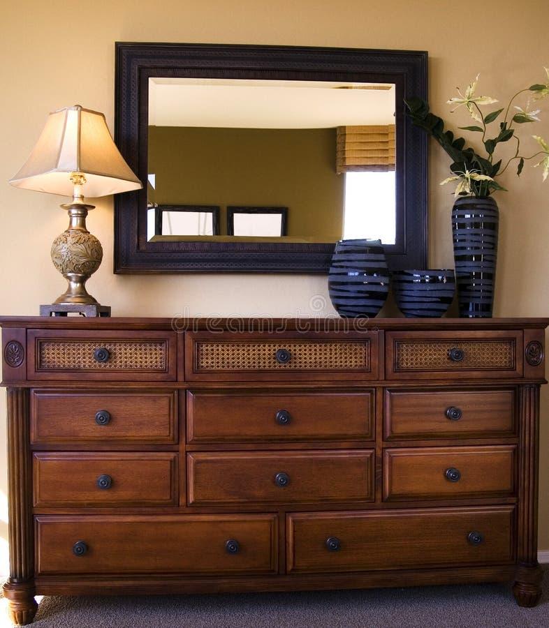 De regeling van het de slaapkamermeubilair van Styiish stock fotografie