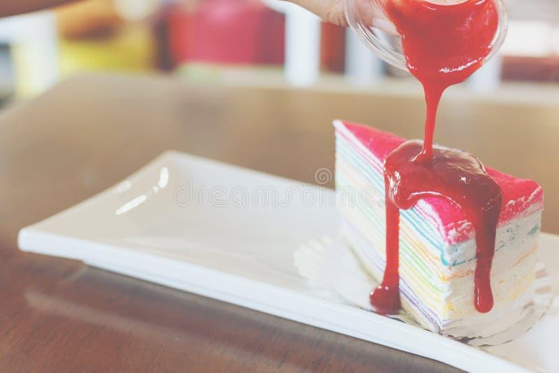 De regenboog omfloerst cake royalty-vrije stock foto