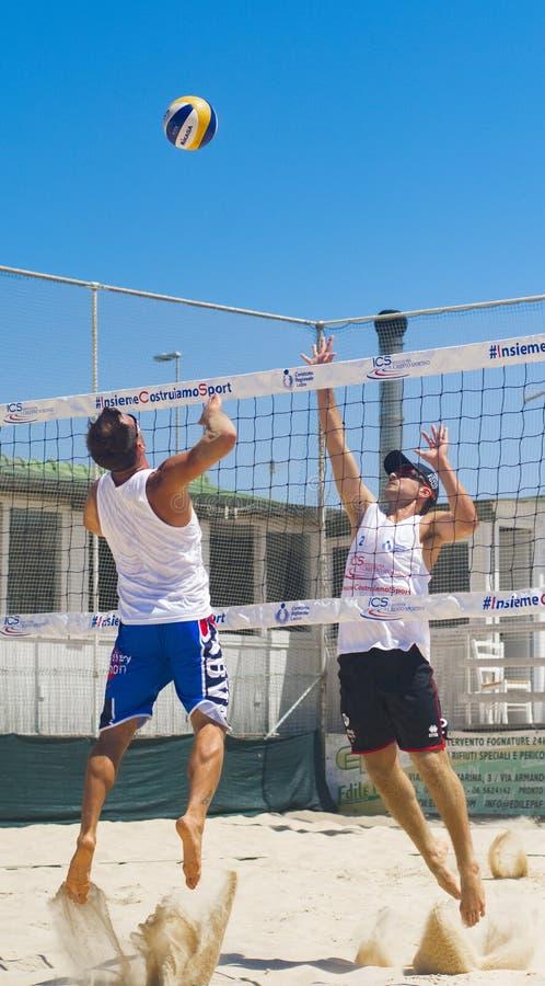 De regionale toernooien van het strandvolleyball stock fotografie