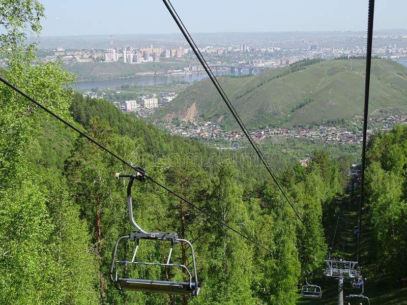 de reis aan Rusland siberië krasnoyarsk De zomer de reis aan Rusland siberië krasnoyarsk De zomer stock fotografie