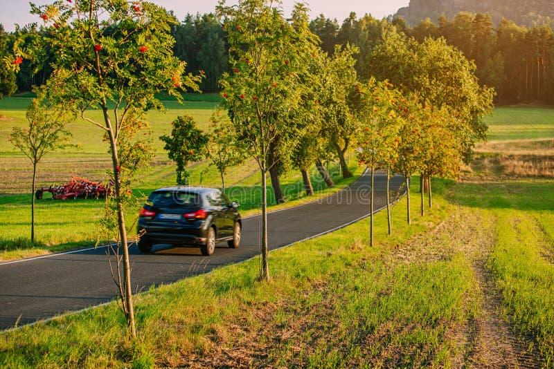 De reis van autoeuropa stock afbeeldingen