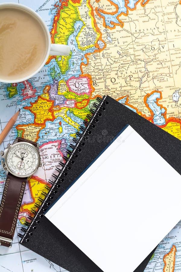 De reis van de planningsvakantie met kaart Hoogste mening Het richten aan Europa stock foto's