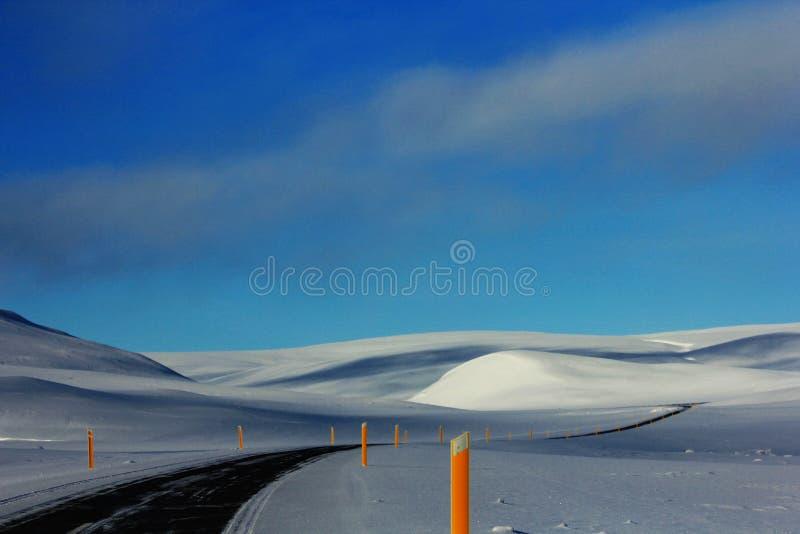 De Reis van de de winterweg in IJsland stock afbeelding