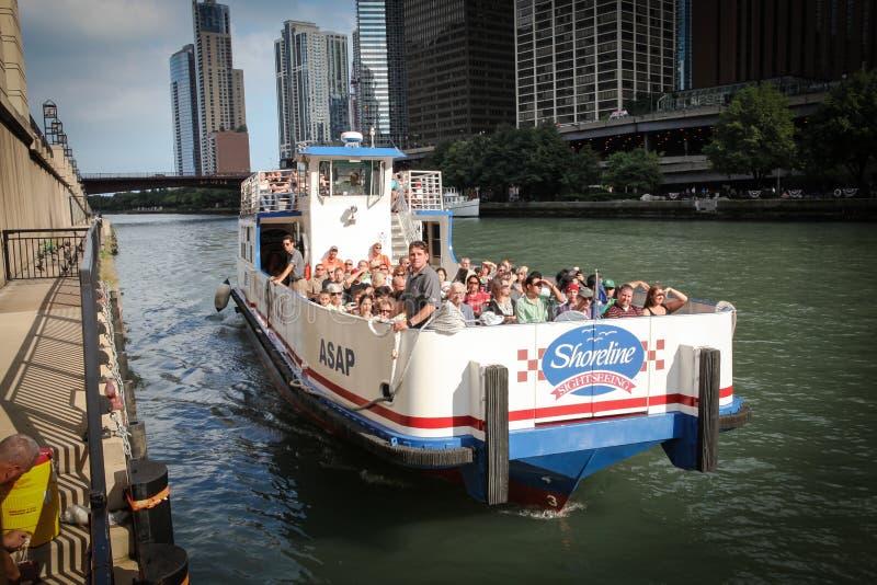 De reizen van Chicago riverboat. stock afbeelding
