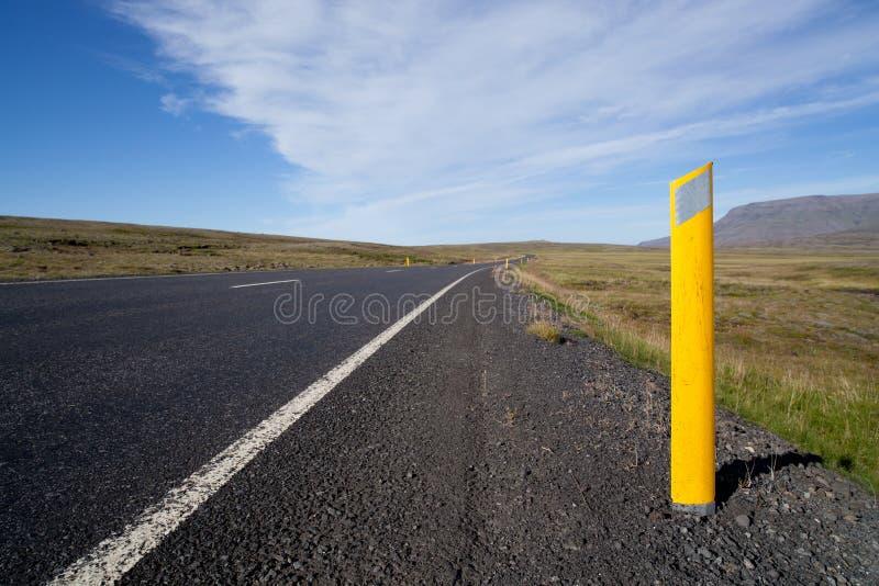 De reizende wegen van IJsland stock foto
