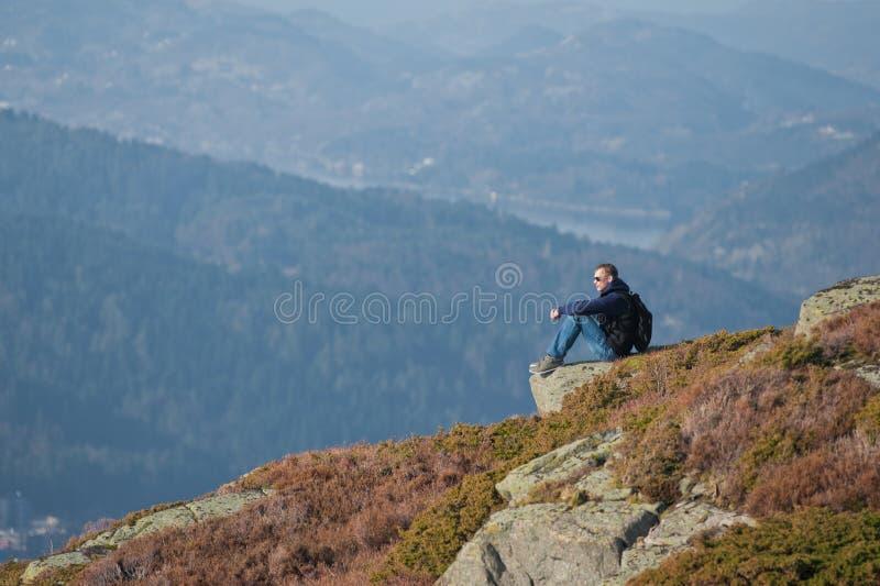 De reiziger van de berg royalty-vrije stock afbeeldingen