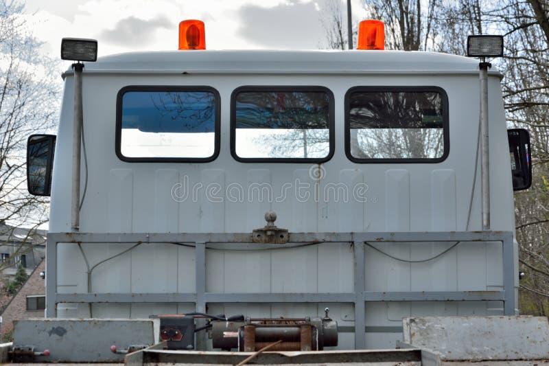 De retour d'un camion de remorquage photos stock
