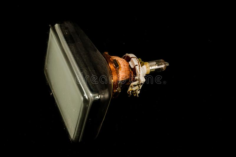 De retour du vieux tube de cathode de télévision d'isolement image libre de droits