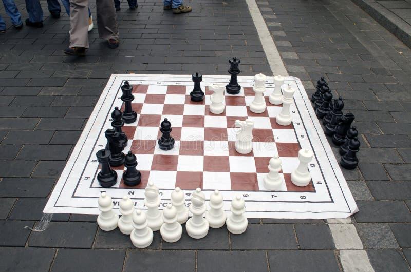 De reusachtige gebeurtenis van de het cijferstraat van het schaakspel stock afbeeldingen