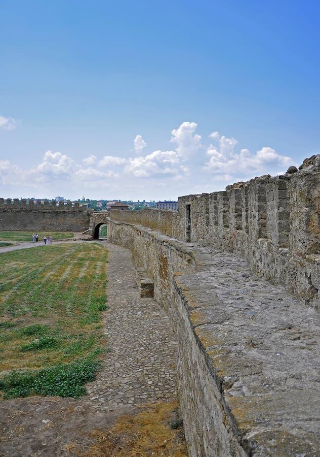 De reusachtige steenmuren van de oude Akkerman-vesting, belgorod-Dniester, het gebied van Odessa stock afbeeldingen