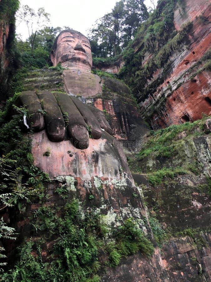 De Reuzeboedha steen van Leshan snijdt in de provincie van Sichuan in China royalty-vrije stock afbeeldingen