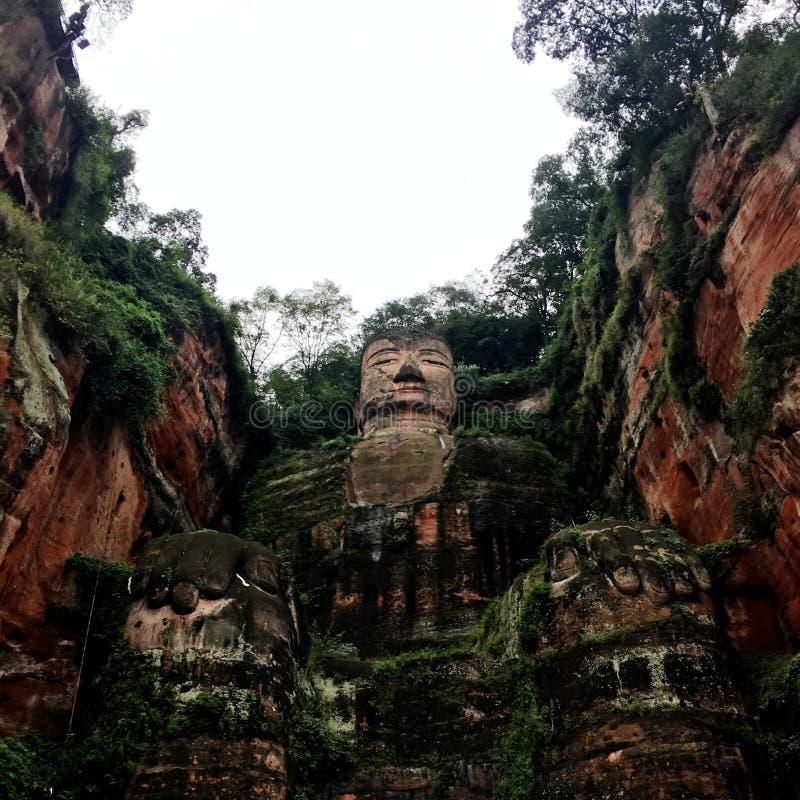 De Reuzeboedha steen van Leshan snijdt in de provincie van Sichuan in China stock foto