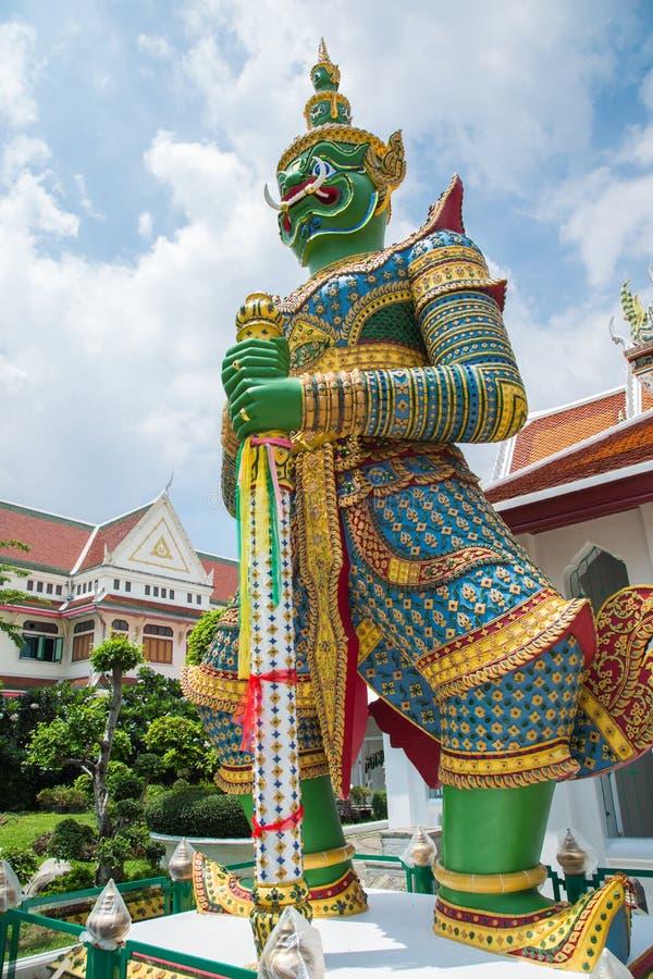 De reuzen bewaken Boeddhistische tempels royalty-vrije stock foto's