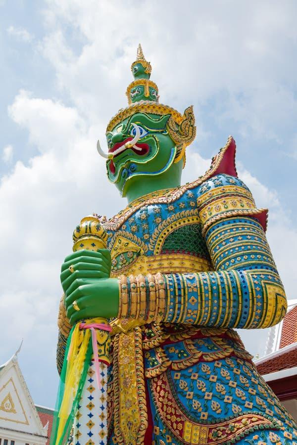 De reuzen bewaken Boeddhistische tempels royalty-vrije stock afbeeldingen