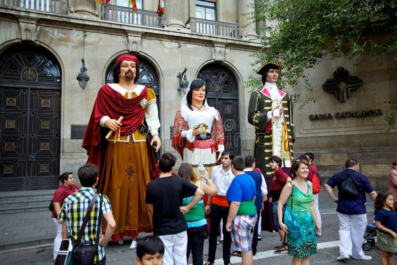 De reuzen paraderen in La Mercè Festival 2013 van Barcelona stock foto's