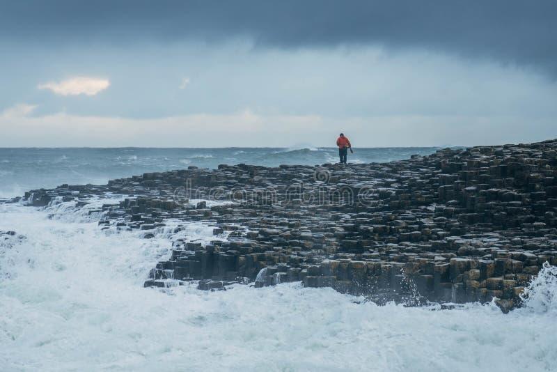 De reuzeverhoogde weg van ` s, Noord-Ierland stock foto