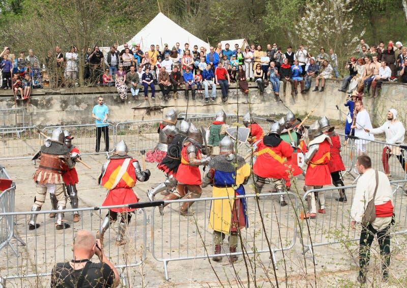 Download De Ridders Vechten In Massabrawl Redactionele Foto - Afbeelding bestaande uit gotisch, spel: 54078461