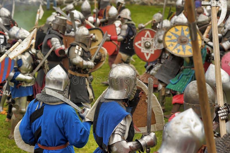 De ridders vechten in de toernooien royalty-vrije stock fotografie