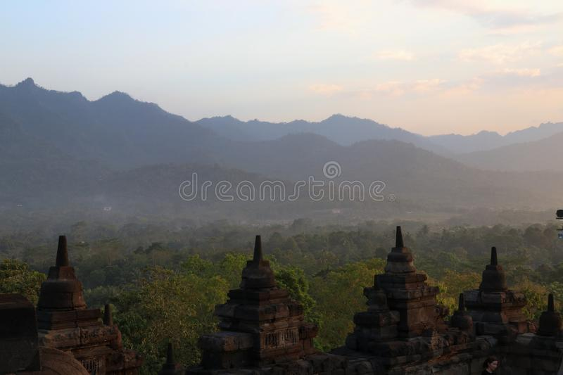 De rij van de tempelstupa van Borobudur in Yogyakarta, Java, Indonesië stock afbeelding
