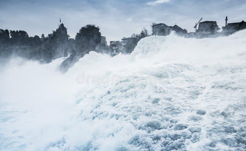 De Rijn valt blauw gestemd landschap royalty-vrije stock afbeelding