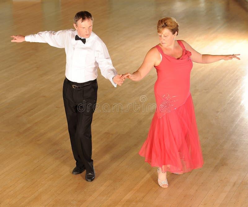 De rijpe Dansers van de Balzaal stock fotografie