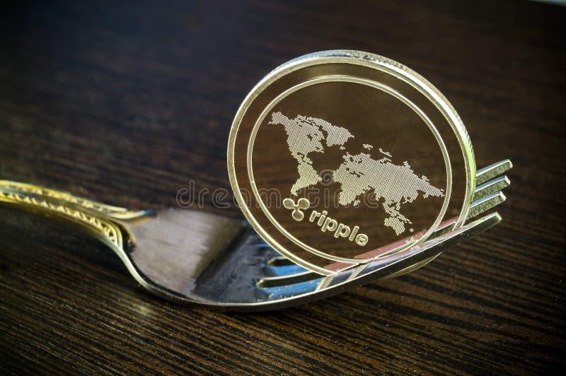 De rimpeling is een moderne manier van uitwisseling en deze crypto munt royalty-vrije stock foto's