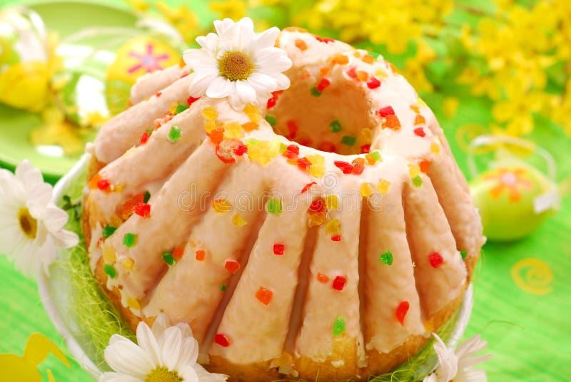 De ringscake van Pasen met glans royalty-vrije stock fotografie