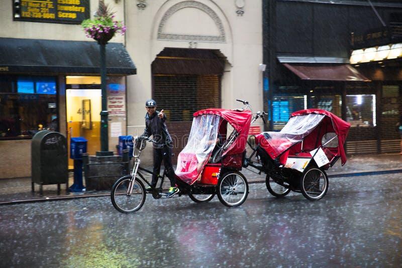 De rit van de fietstaxi stock foto