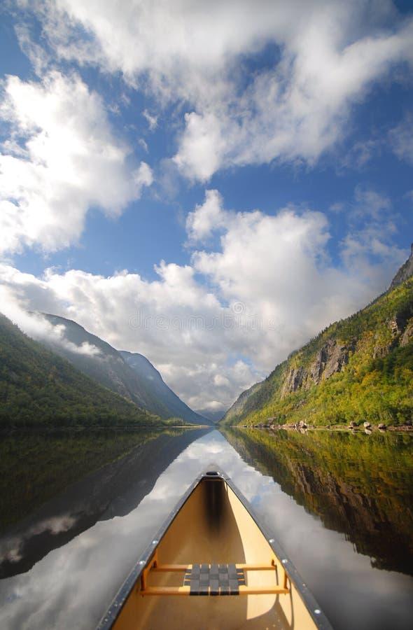 De rit van de kano royalty-vrije stock afbeelding