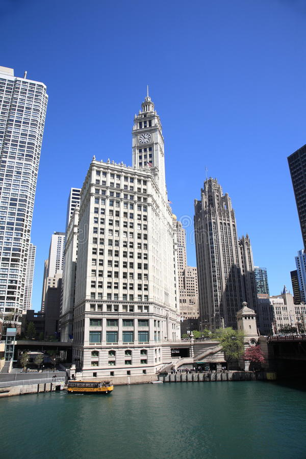 De Rivier en de Horizon van Chicago stock afbeelding