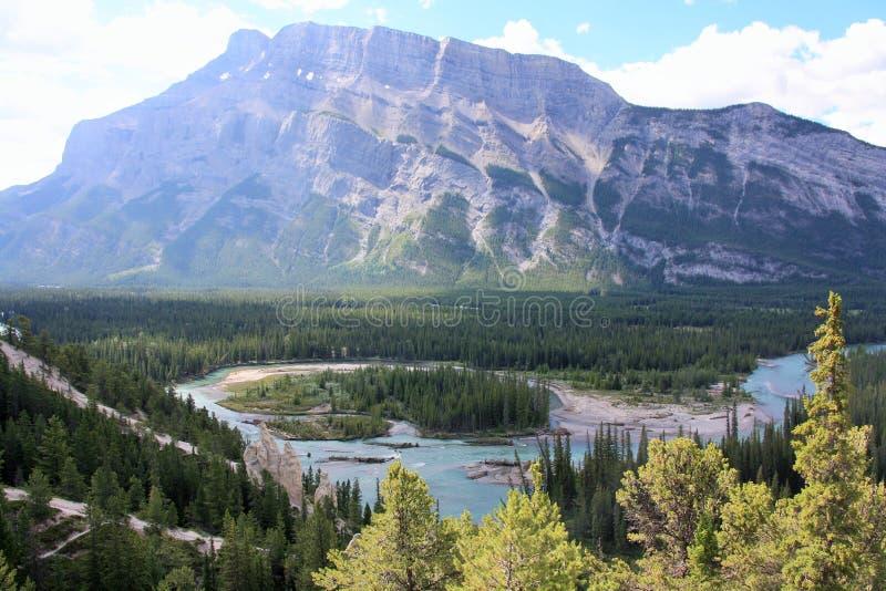 De rivier en de vallei van de boog royalty-vrije stock afbeeldingen