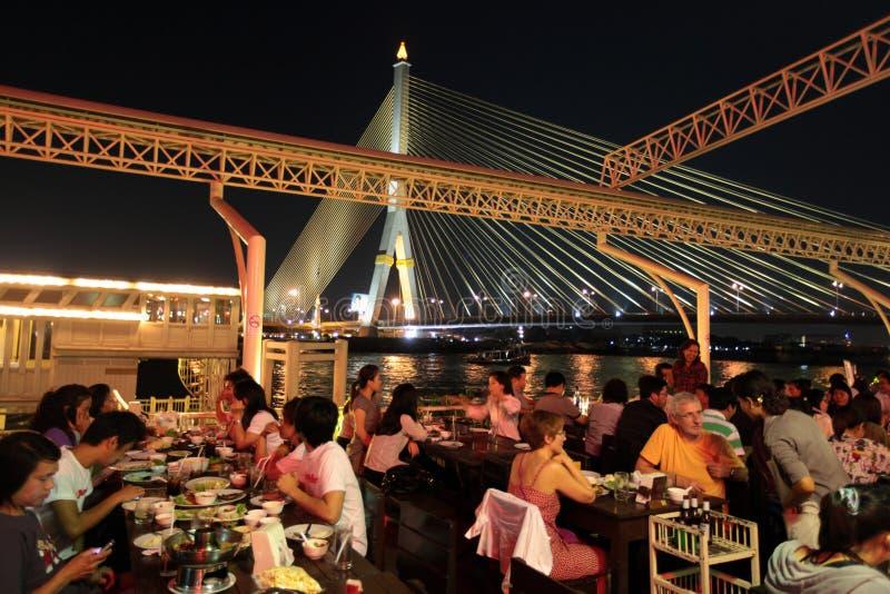 DE RIVIER VAN AZIË THAILAND BANGKOK BANGLAMPHU CHAO PHRAYA royalty-vrije stock afbeelding