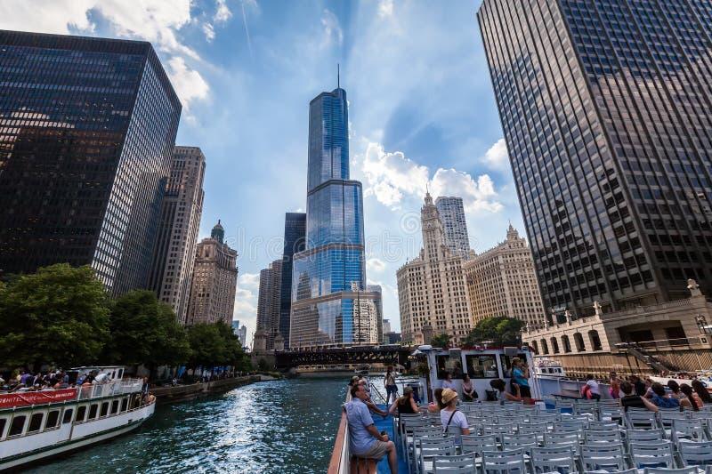 De Rivier van Chicago op 16 Juli, 2013 in Chicago stock afbeelding