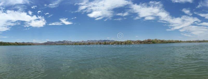De Rivier van Colorado bij hoge middag stock foto's