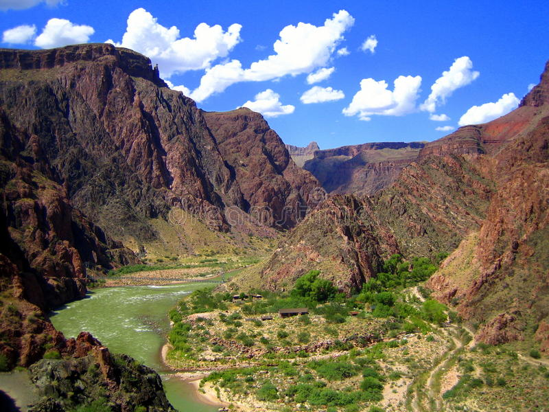 De Rivier van Colorado dichtbij de SpookBoerderij, Grote Canion NP stock foto's