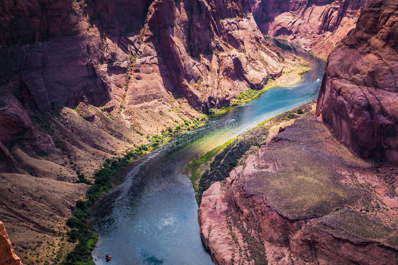 De rivier van Colorado en de grote canion De Aantrekkelijkheden van de Staat van Arizona, Verenigde Staten royalty-vrije stock foto