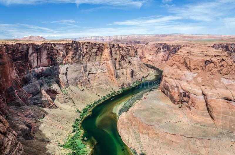 De rivier van Colorado in toneelwoestijnvallei royalty-vrije stock foto
