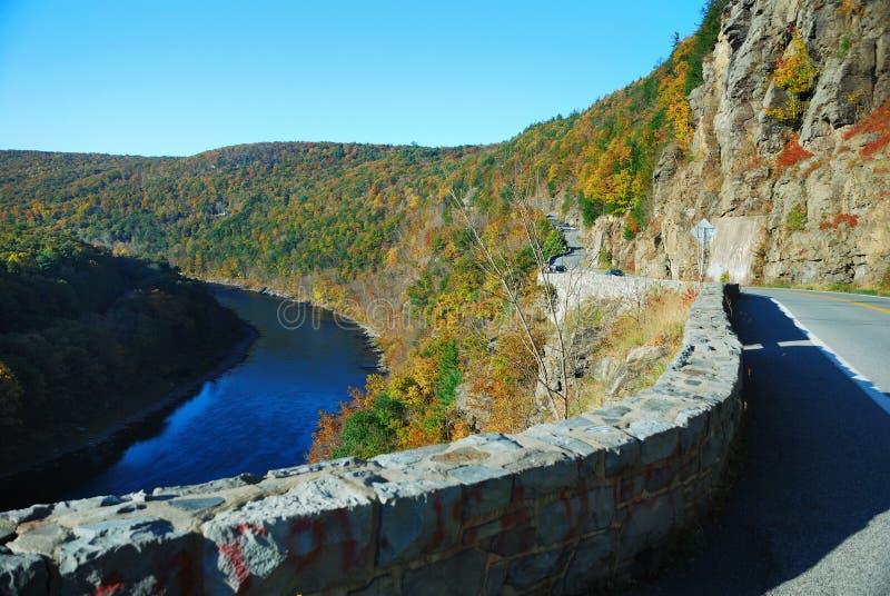 De Rivier van de Berg van de herfst stock foto's
