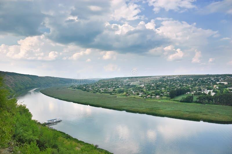 De rivier van Dniester, Moldova stock foto