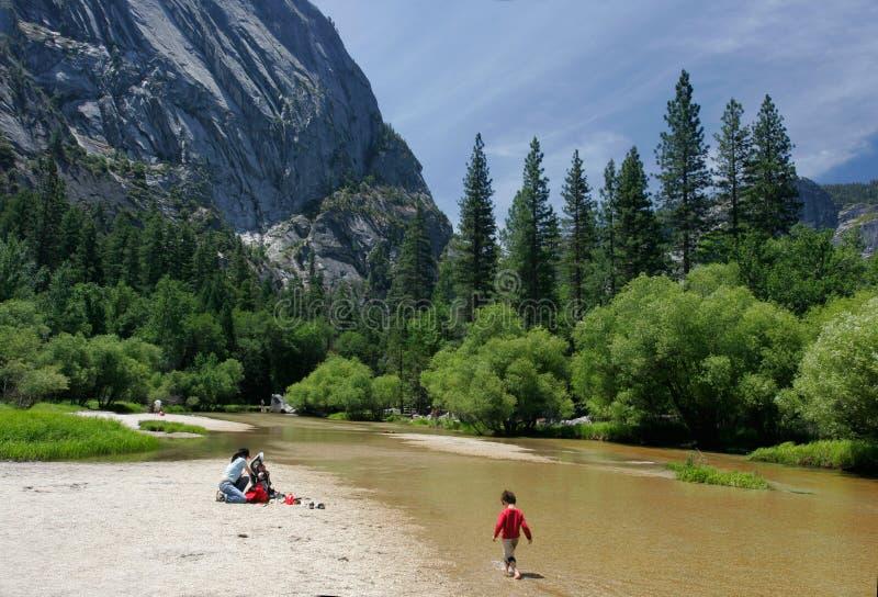 De Rivier van Merced in Yosemite royalty-vrije stock foto