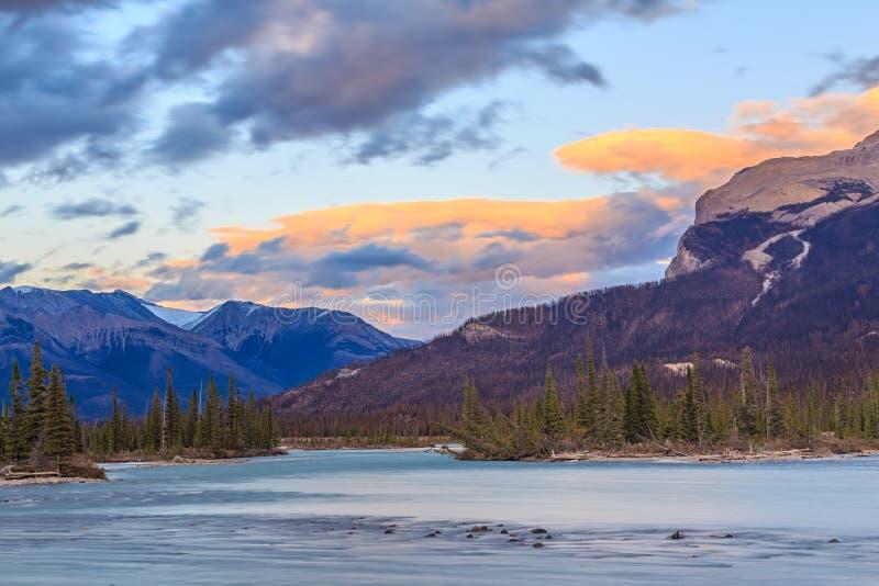 De rivier van Saskatchewan, Alberta, Canada royalty-vrije stock foto's