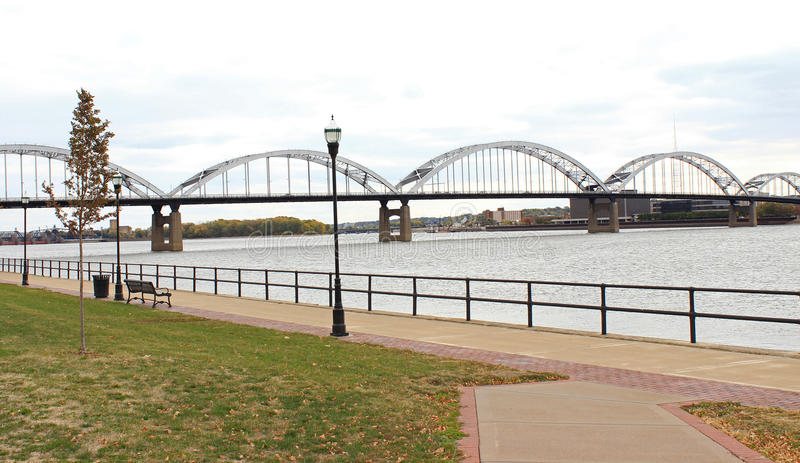 De Rivierbrug van de Mississippi stock afbeelding