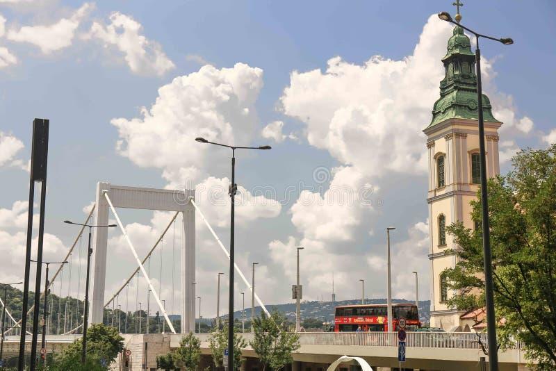 De riviermening van Boedapest, Hongarije - van Donau stock fotografie